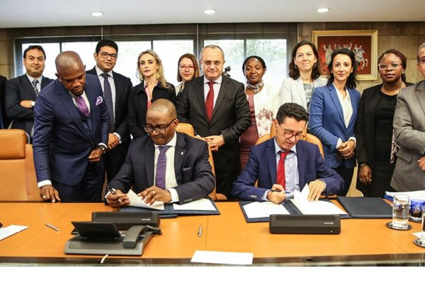 Photo - signature Partenariat BANK OF AFRICA – WEMA BANK