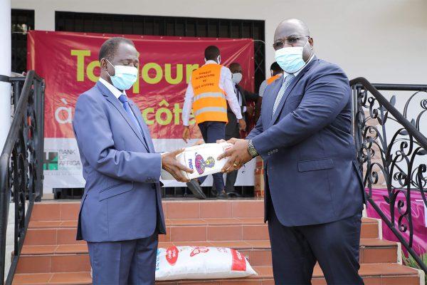 Remise de dons Banque alimentaire de Côte d'Ivoire photo 7-box